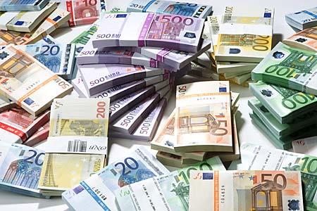 geldscheine-produkt-foto-euro_pfluegl