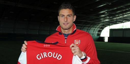 Olivier Giroud débarque en Angleterre. Photo: Arsenal.com