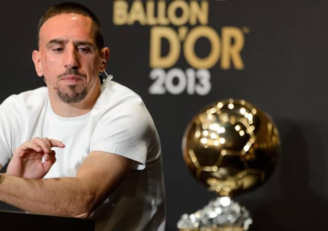 Franck Ribéry et son regard percutant sur le ballon d'or, gagné par Cristiano Ronaldo.